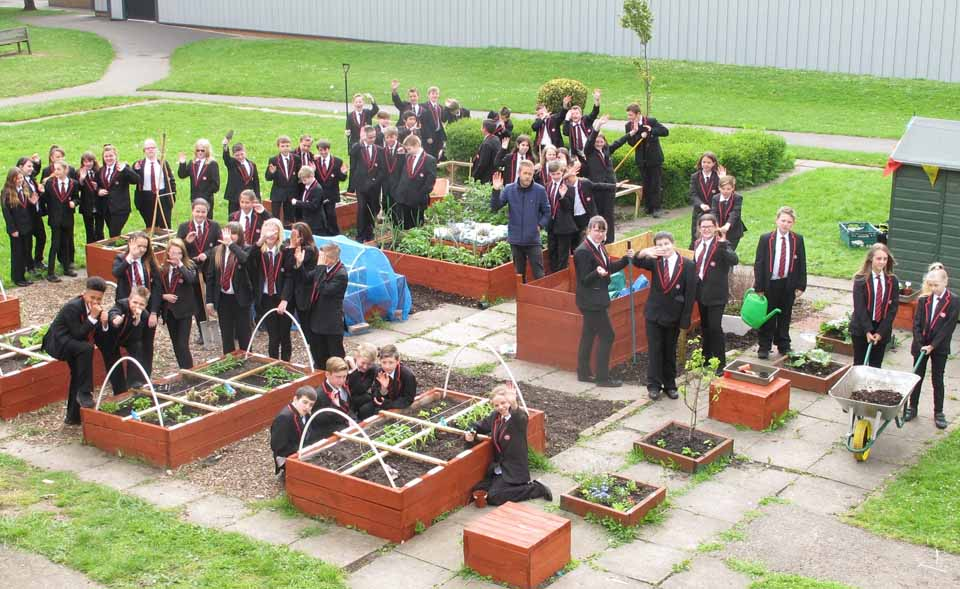 School gardeners of the year rhs campaign for school for School garden designs